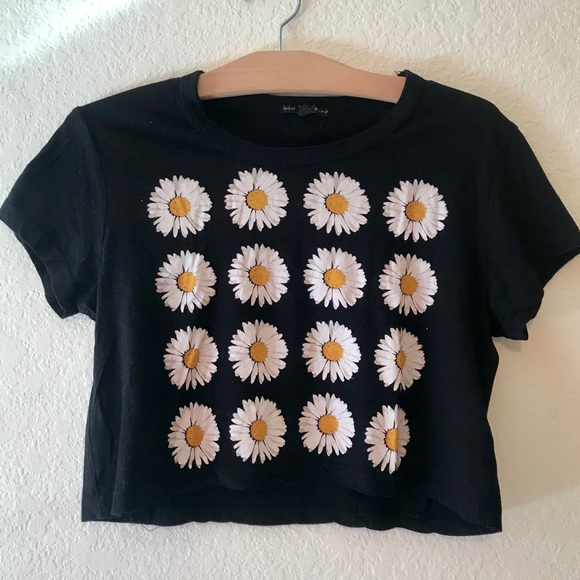 3ff22121d Urban Outfitters Tops   Daisy Graphic Tee   Poshmark